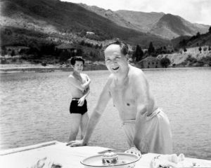 mao-zedong-10-1961-swimming